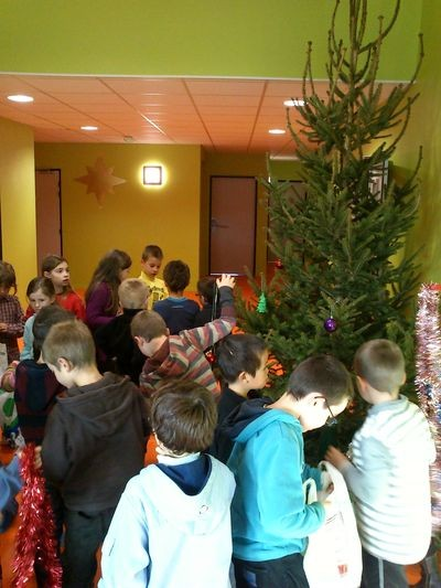 Des d corations pour no l ecole beauce g tine for Decoration porte noel ecole
